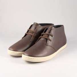 CHAUSSURES MONTANTE EN CUIR FRED PERRY.